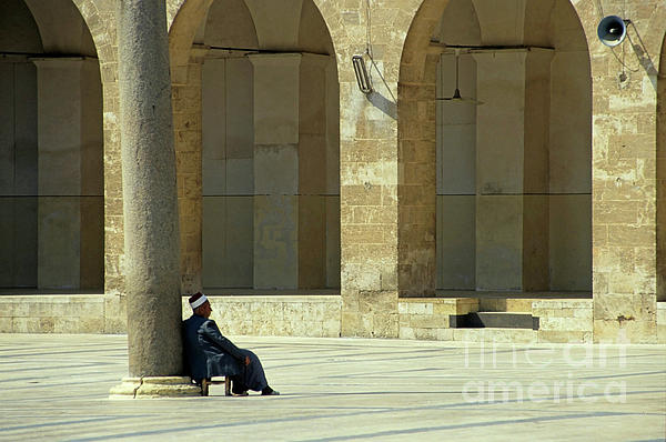 2-man-sitting-inside-the-great-mosque-of-aleppo-sami-sarkis