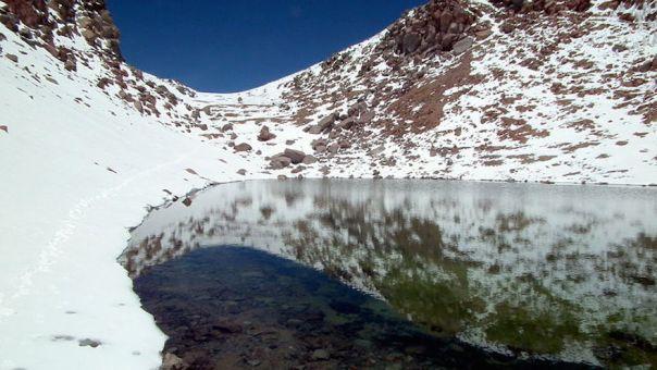 crater-lake-licancabur-bolivia