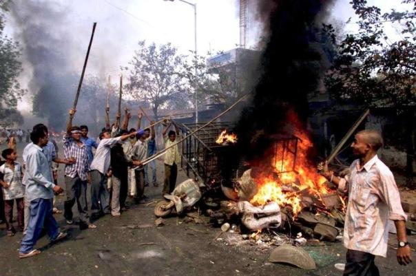 gujarat-riots-1