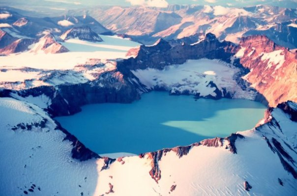 katmai_crater_lake-alaska