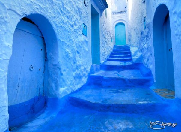 morocco-chefchaouen-blue-city-nick-saglimbeni-hallway