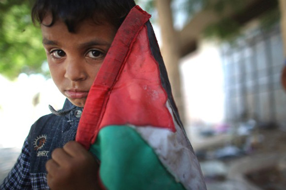 palestinian-child-and-flag
