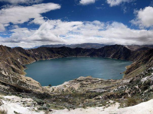 quilotoa-crater-lake-ecuador