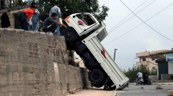 6.-The-Truck-That-Strangely-Symbolizes-the-Syrian-Struggle