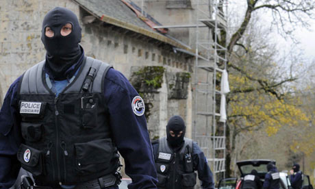 Police-in-the-remote-vill-001