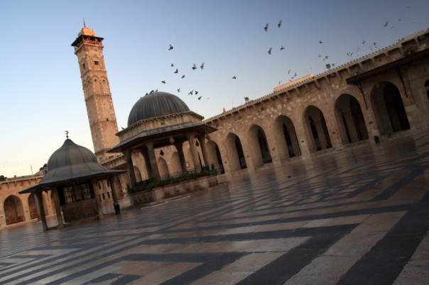 aleppo_inside_the_great_mosque