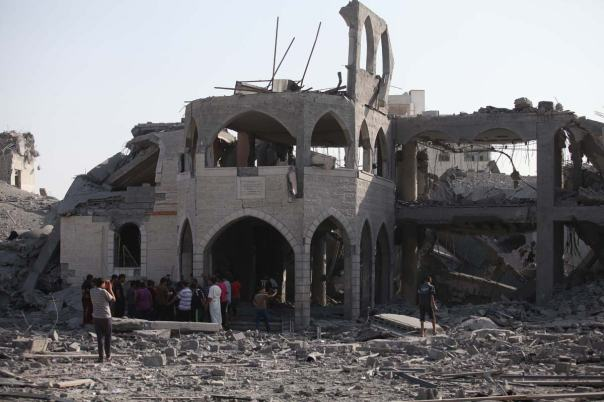 mosque-destroyed-by-israeli-airstrike-2014
