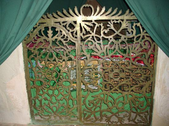 umm-haram-tomb-gate