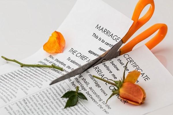divorce-600x399